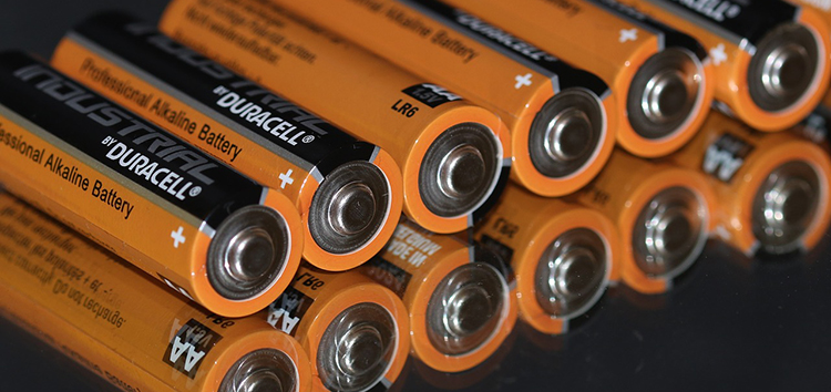 Recycling lithium batteries